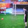 Messi contro il robot paratutto – il video della sfida