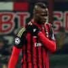 Balotelli celebra il mesto funerale del Milan