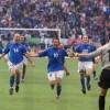 Italia-Olanda, i miracoli di Toldo ed il cucchiaio di Totti