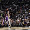 Nba, i risultati della notte: colpaccio Lakers, Nick Young la vince alla sirena!