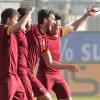Roma avanti tra le polemiche: ad Udine decide Astori