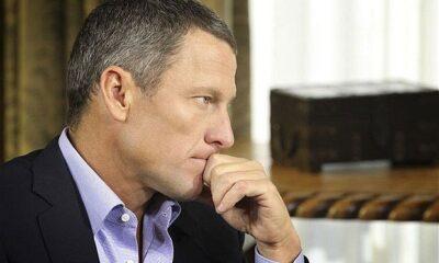 Lance Armstrong, ex ciclista assistito da Ferrari