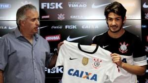 Pato_Corinthians
