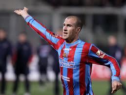 Cristian Llama con la maglia del Catania