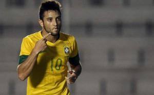 Felipe Anderson con la maglia del Brasile