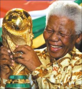 Nelson Mandela: il mondo prega per lui