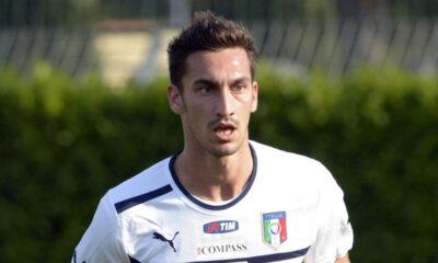 Davide Astori inseguito dal Napoli