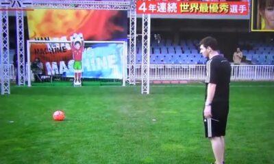 Lionel Messi sfida il robot