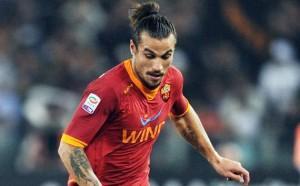 Pablo Osvaldo, qui con la maglia della Roma, guiderà l'attacco dell'Italia