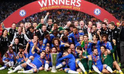 Il Chelsea in festa dopo la vittoria in Europa League