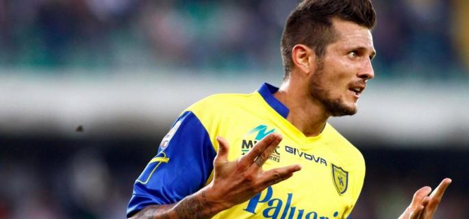 Cyril Thereau firma il tabellino in Chievo-Catania