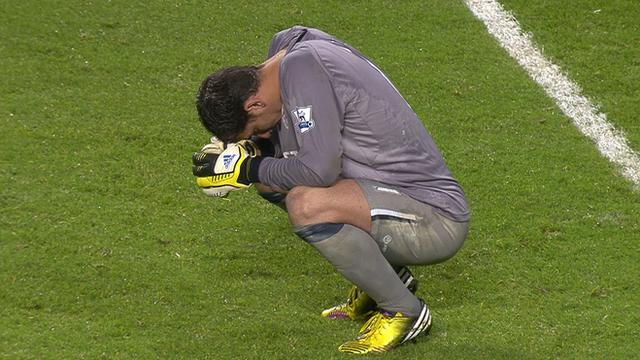 La disperazione di Joel alla fine della gara contro l'Arsenal
