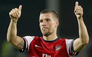 Lukas Podolski, protagonista con l'Arsenal in Premier League