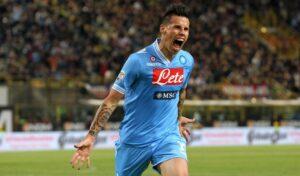 Marek Hamsik torna titolare per la sfida del Napoli contro l'Arsenal. Out Higuain