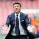 Walter Mazzarri guida l'Inter contro la Fiorentina di Montella