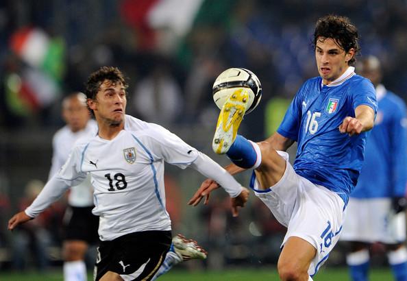 Ranocchia anticipa un avversario in Italia - Uruguay