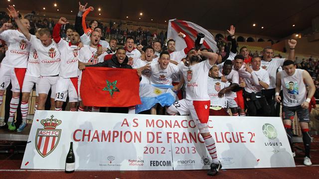 L'esultanza dell'AS Monaco dopo la vittoria della Ligue 2