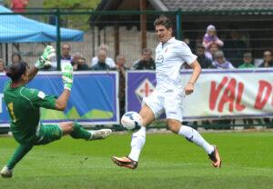 Mario Gomez con la maglia della Fiorentina