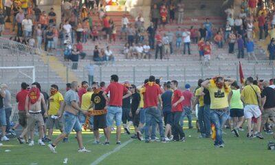 Scontri dopo la finale playoff Lecce-Carpi del campionato 2012-2013