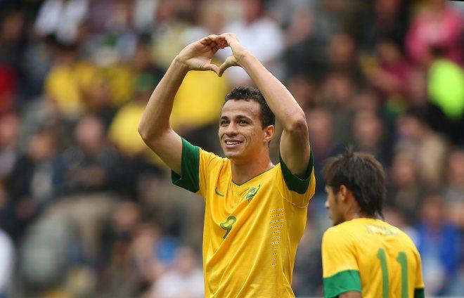 Leandro Damiao con la maglia del Brasile