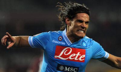 Edinson Cavani con la maglia del Napoli
