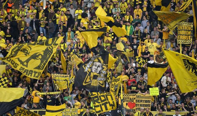 Il pubblico del Signal Iduna Park di Dortmund