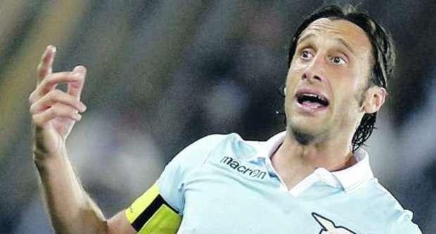Stefano Mauri con la maglia della Lazio