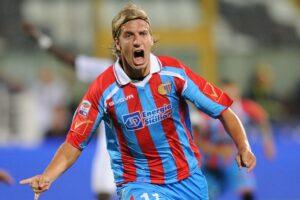 Maxi Lopez con la maglia del Catania