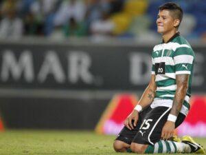 Marcos Rojo con la maglia dello Sporting Lisbona
