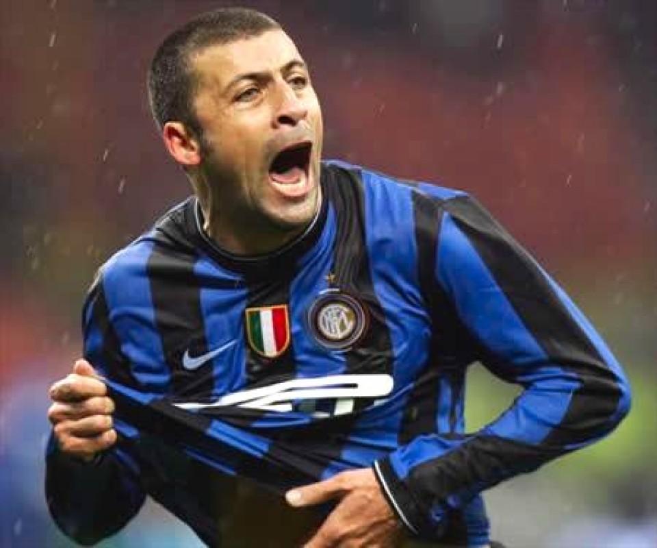 Walter Samuel è l'ultimo a mollare per l'Inter.