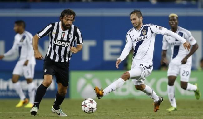 Juventus-Los Angeles Galaxy: un'azione di gioco