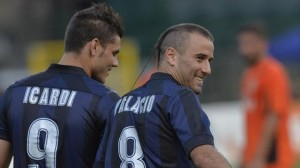Icardi e Palacio: dal piede del primo il gol del vantaggio in Cagliari-Inter
