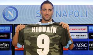 Uefa Calciomercato - Gonzalo Higuain con la maglia del Napoli