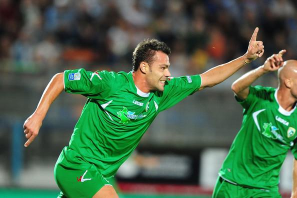 L'esultanza di Alessandro Fabbro dopo il gol contro il Latina