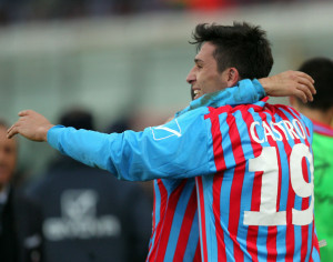 Lucas Castro con la maglia del Catania