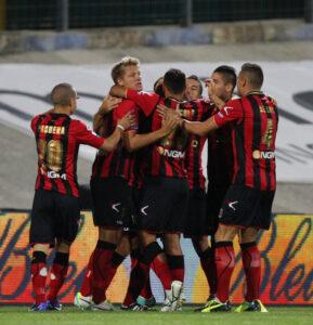 Virtus+Lanciano+v+Reggina+Calcio+Serie+B+fneveQiHamNl