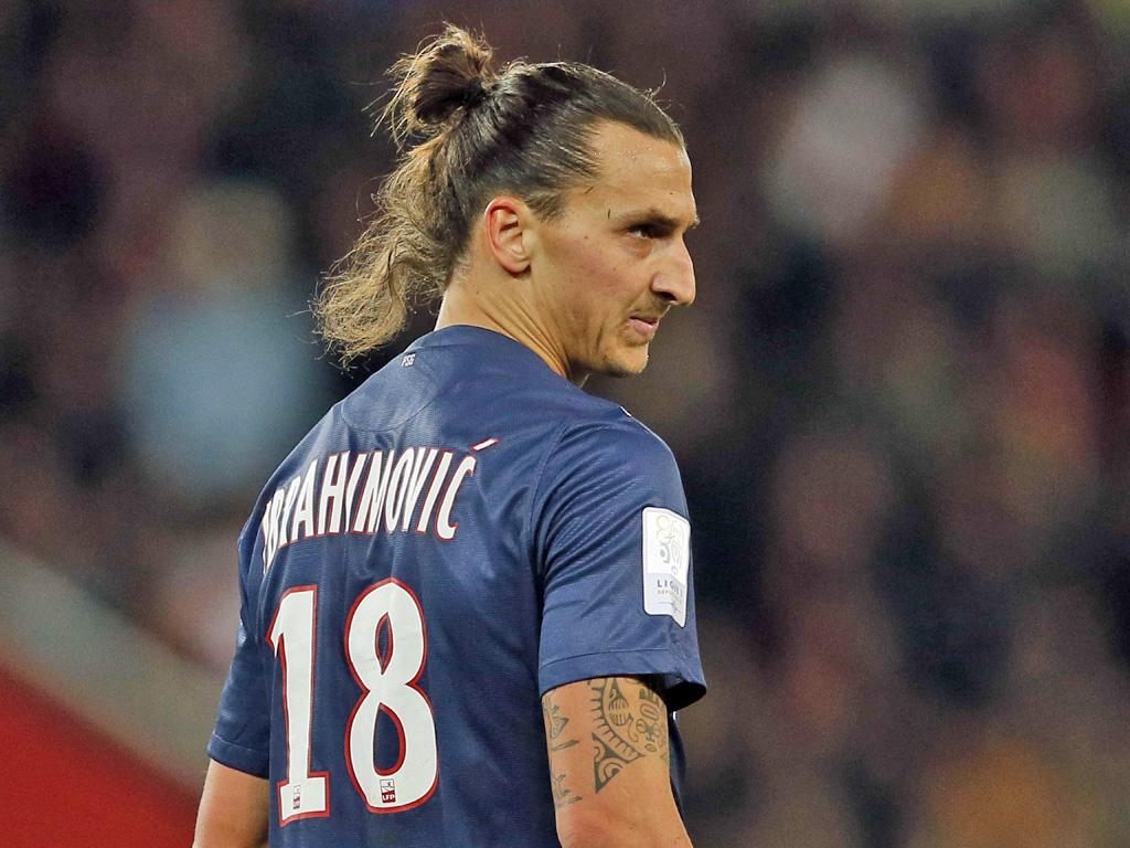 Zlatan Ibrahimovic con la maglia del PSG, SportCafe24