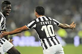 Carlos Tevez con la maglia della Juventus