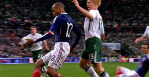 Il fallo di mano di Henry che costò a Trapattoni l'accesso ai Mondiali 2010