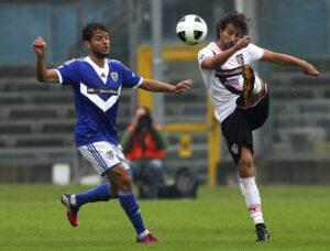 Big: Di Gennaro prova un calcio lungo in Brescia - Palermo di Serie B