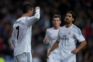 Cristiano Ronaldo in versione soldatino sbeffeggia Blatter
