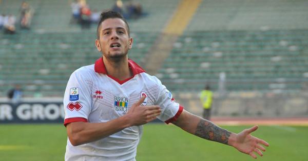 Francesco Fedato con la maglia del Bari