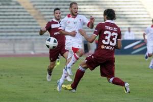 Cristian Galano in azione con la maglia del Bari