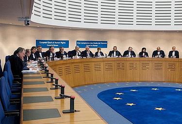 La Corte europea dei diritti dell'uomo: è lì che vuole andare Luciano Moggi