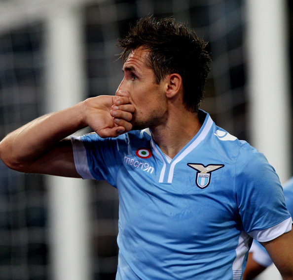 LIVE Lazio-CagliariMiro Klose guiderà l'attacco biancoceleste contro l'Atalante