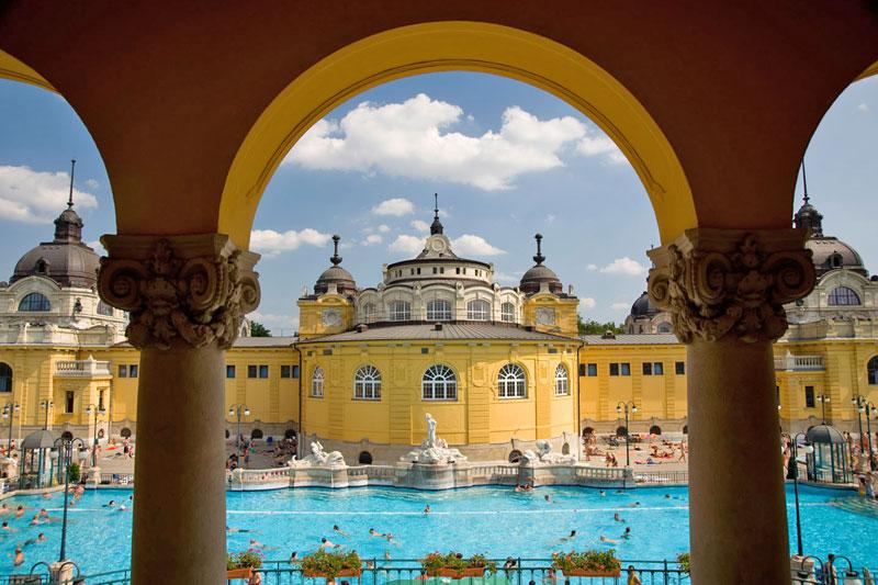 Budapest la pi bella citt del danubio for Soggiorno budapest