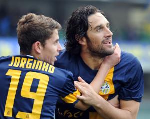 Toni e Jorginho protagonisti in Genoa-Hellas Verona