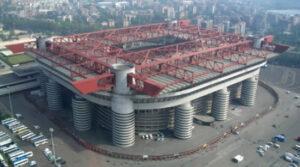 Il maestoso stadio Giuseppe Meazza in San Siro