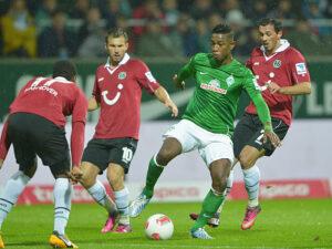 Vince il Werder Brema e si assicura la partecipazione alla Bundesliga dell'anno prossimo