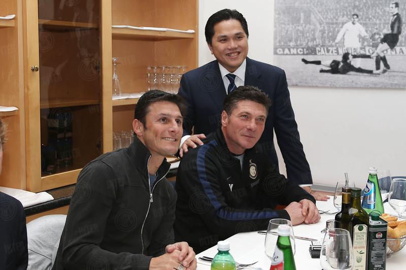 Zanetti, Thohir e Mazzarri insieme a tavola (fonte: www.inter.it)